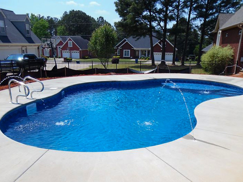 Law Pools & Patio jet feature pool